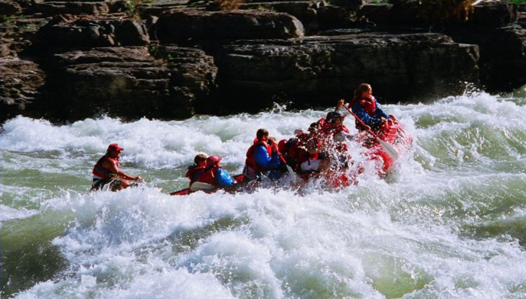 2 whitewater rafting on the snake river